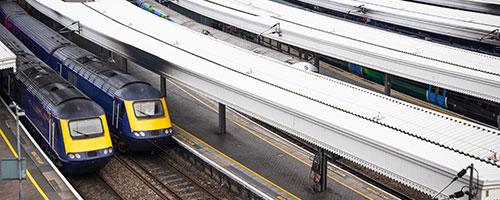 Bahnhöfe shutterstock.com / Wei Huan